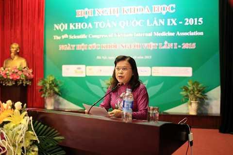 PGS.TS Nguyễn Thị Xuyên, Thứ Trưởng Bộ Y Tế phát biểu tại hội nghị