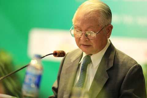 GS.TS Nguyễn Khánh Trạch, Chủ Tịch Hội Nội Khoa Việt Nam phát biểu khai mạc hội nghị