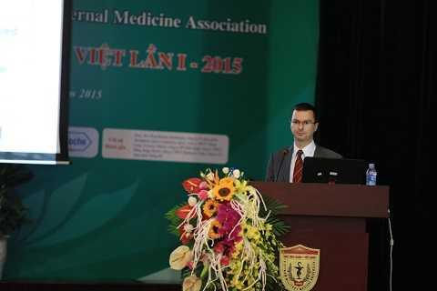 Tiến Sĩ Szabolcs Péter, Tập đoàn Dinh dưỡng DSM Thụy Sỹ phát biểu tại hội nghị