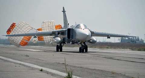 Máy bay chiến đấu Nga tại căn cứ không quân ở Syria