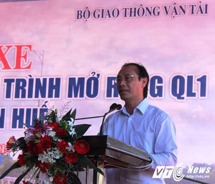 Thứ trưởng Bộ GTVT Lê Đình Thọ đánh giá cao tiến độ thi công xây dựng, mở rộng QL 1A đoạn qua Thừa Thiên - Huế.