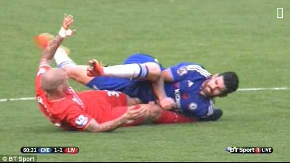 Costa sẽ bị phạt nguội ở tình huống này