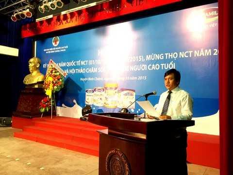 Ông Phan Nguyễn Minh Nhựt – Giám Đốc Kinh doanh khu vực TP.HCM, Vinamilk chia sẻ với người tiêu dùng tại TP.HCM những thông tin về công ty