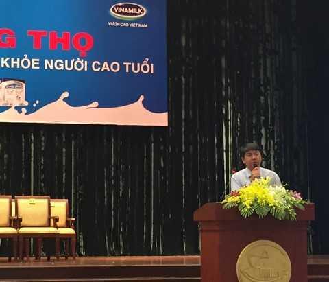 """Tiến sĩ – Bác sĩ Nguyễn Anh Tuấn, Đại học Y Dược TP.HCM chia sẻ thông tin hữu ích """"Dinh dưỡng ở người cao tuổi"""""""