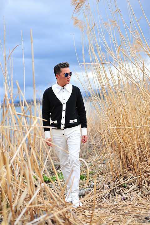 Gần nhất là vào tháng 11 sắp tới, Đàm Vĩnh Hưng sẽ giới thiệu đến khán giả yêu nhạc album mới của anh mang tên