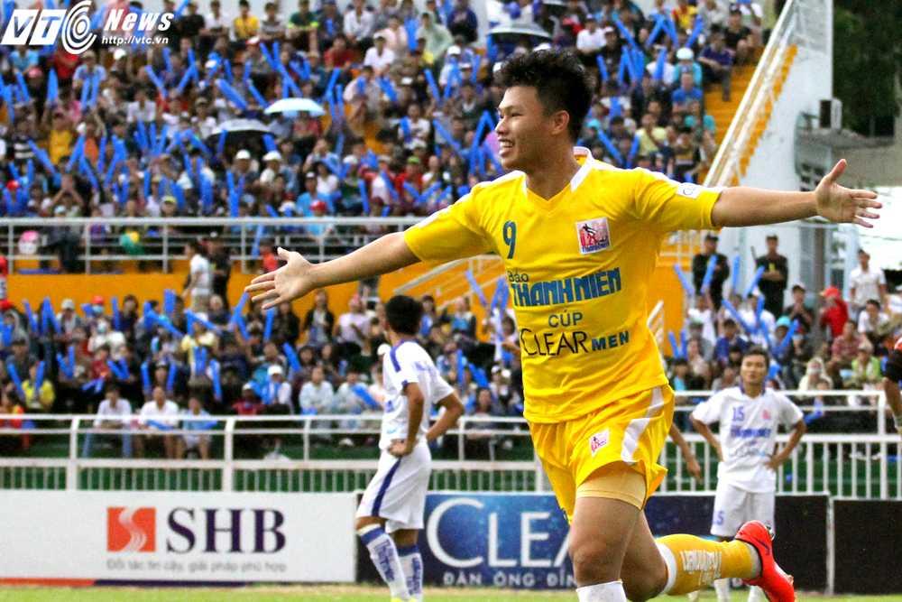 Phạm Văn Thành có cú đúp trong trận chung kết (Ảnh: Hoàng Tùng)