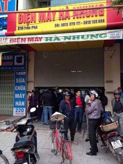 Cửa hàng điện máy Hà Nhung - nơi phát hiện thi thể 4 người trong một gia đình.
