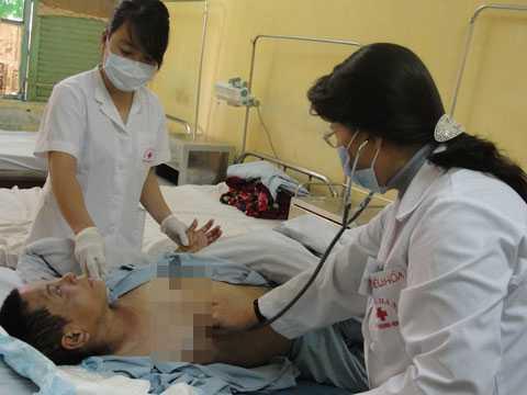 Điều chỉnh giá dịch vụ y tế, người nghèo được hưởng lợi.