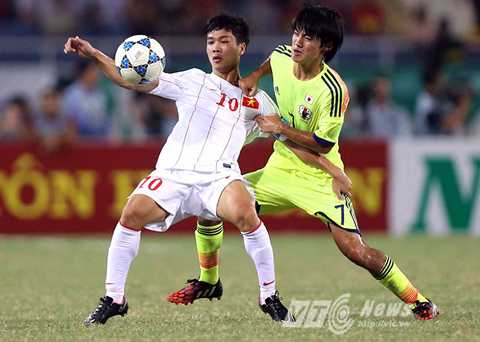 Công Phượng được chú ý sau những lần đối đầu U19 Nhật Bản (Ảnh: Quang Minh)