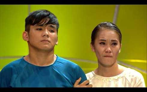 Ngọc Sơn và Phạm Lịch cũng không cầm được nước mắt.