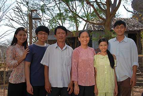 Ngọc Lan cùng các diễn viên trong bộ phim truyền hình mới