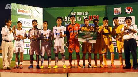 Đội hình tiêu biểu của giải U21 Quốc gia 2015 (Ảnh: Quang Minh)
