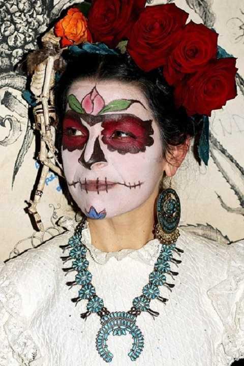 Jessica Hoop giống như nữ thánh hội họaFrida Kahlotrở về từ cõi chết.