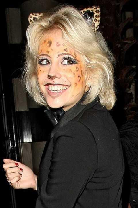 Pixie Lott khá đáng yêu khi biến thành chú mèo Cheshire Cat trong phim