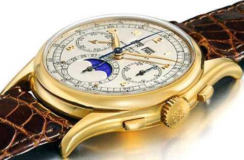 đồng hồ làm từ 18 carat vàng nguyên chất.