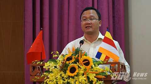 Ông Khuất Việt Hùng (Phó Chủ tịch Chuyên trách Uỷ ban An toàn Giao thông Quốc gia)phát biểu tại buổi họp báo chiều 3/11