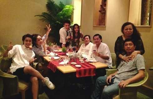 Chi Pu thường xuyên đi ăn uống cùng gia đình Gil Lê.