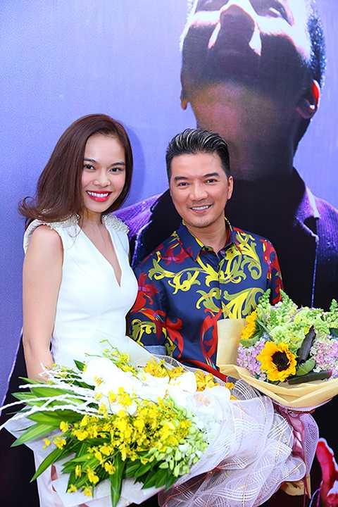 Nữ ca sĩ Giang Hồng Ngọc đến chung vui cùng Mr.Đàm.