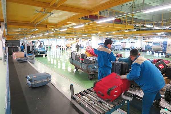 Những vụ mất cắp hành lý ký gửi ở sân bay Việt Nam do nhân viên hàng không gây ra không còn là hiếm - Ảnh minh họa