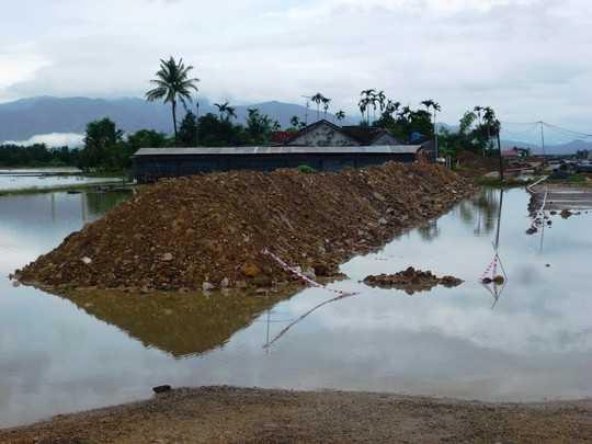 Hố công trình ngập nước khiến 3 học sinh lớp 7 sụp xuống đuối nước