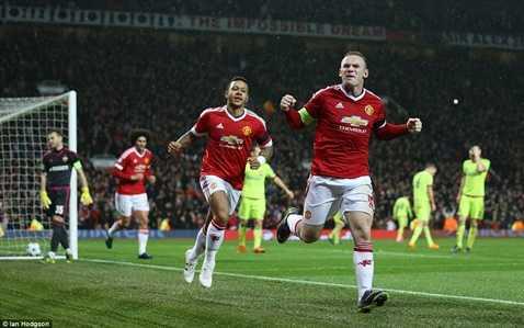 Rooney giúp MU có 3 điểm trọn vẹn
