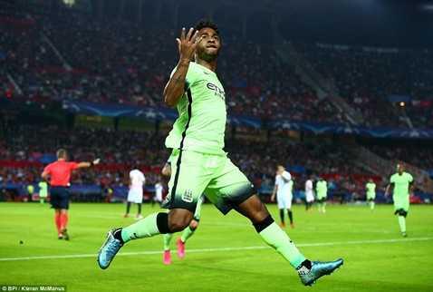 Sterling mở ra chiến thắng ấn tượng của Man City trước Sevilla