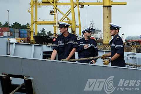 Và lực lượng thủy thủ đoàn tinh nhuệ