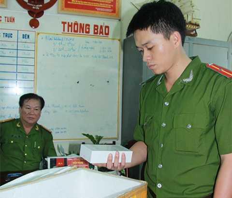 Công an quận Hải Châu (Đà Nẵng) và QLTT địa phương đã thu giữ lô hàng gồm 18 điện thoại Iphone 6s không rõ nguồn gốc tại cửa hàng điện thoại Đức Lộc trên đường Hoàng Diệu.