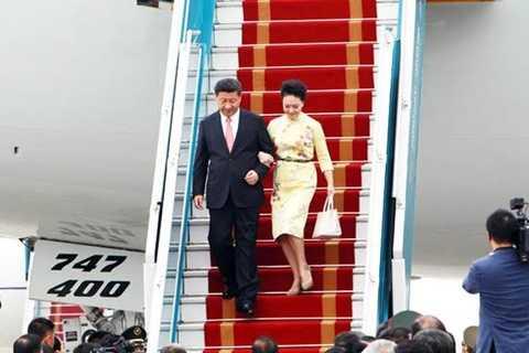 Chủ tịch Trung Quốc Tập Cận Bình và phu nhân Bành Lệ Viện - Ảnh: Phạm Hải/ Vietnamnet