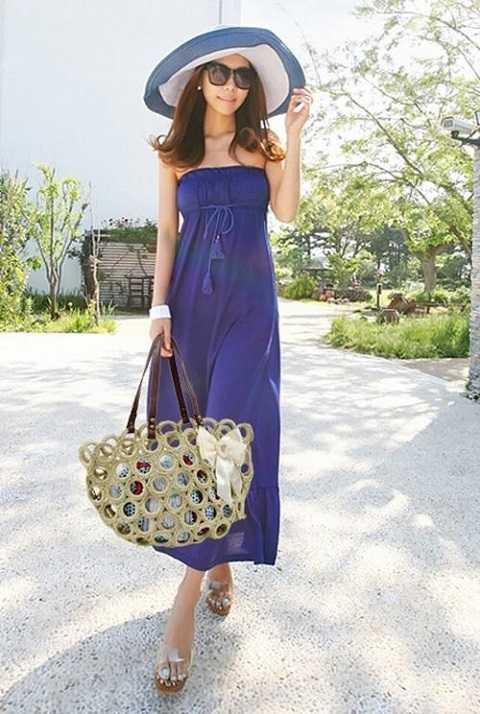 Tuy làm từ chất liệu nghe có phần quê mùa nhưng thời trang túi cói lại vô cùng đa dạng về kiểu dáng với nhiều thiết kế xinh xắn, sang trọng. Mẫu túi được ưa chuộng vào mùa hè và xu hướng thời trang đi biển.
