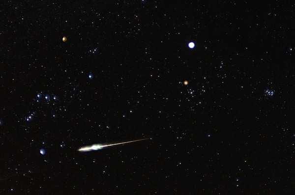 Mưa sao băng Taurid diễn ra hàng năm từ ngày 7/9 đến ngày 10/12 và cực đỉnh năm nay diễn ra vào đêm ngày 5/11, rạng sáng ngày 6/11 - Ảnh minh họa