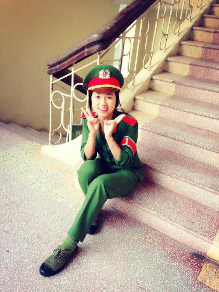 Nữ thủ khoa Học viện Cảnh sát Trần Thị Ngân đã không dùng facebook để việc học được tốt hơn.