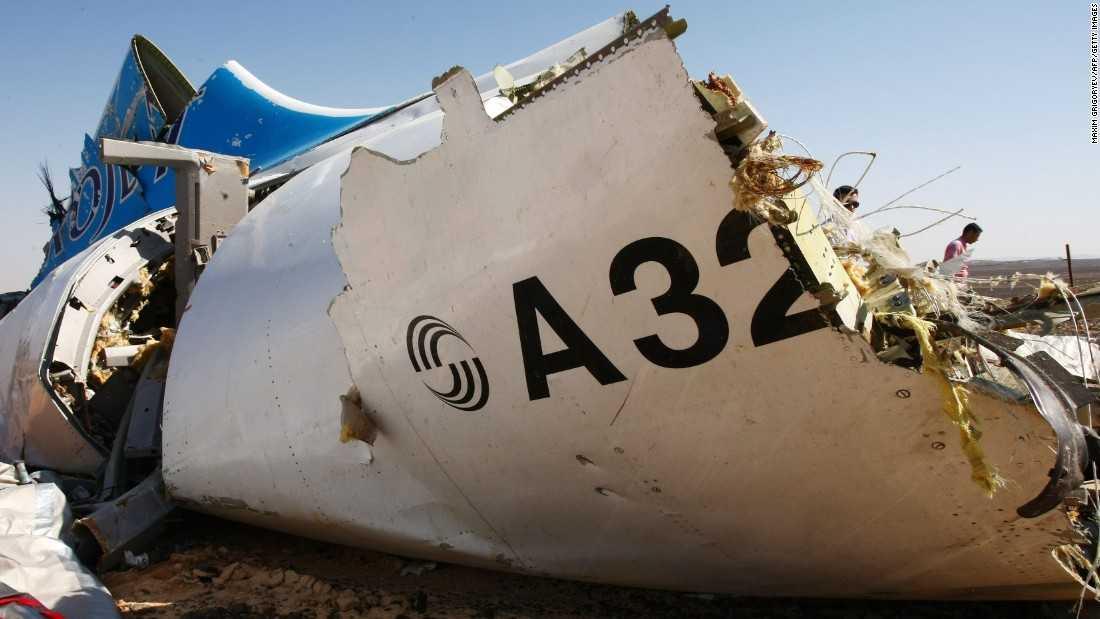 Mảnh vỡ máy bay Nga rơi ở Ai Cập