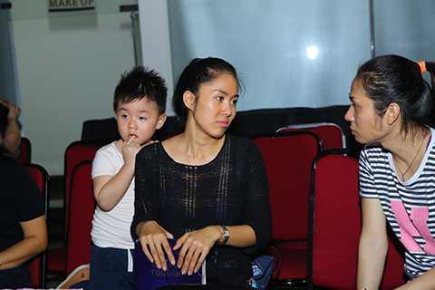 Cà Pháo năm nay đã được 3 tuổi. Cậu bé thường xuyên được mẹ dẫn đi cùng trong các sự kiện giải trí.