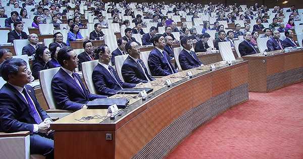 Đại biểu hai nước Trung Quốc và Việt Nam trong hội trường Ba Đình