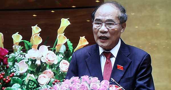 Chủ tịch Quốc hội Việt Nam Nguyễn Sinh Hùng cảm ơn sau khi ông Tập Cận Bình kết thúc bài phát biểu