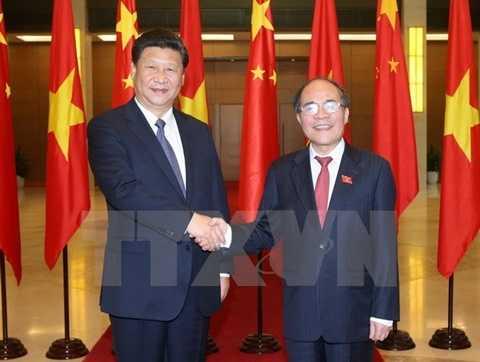 Chủ tịch Quốc hội Nguyễn Sinh Hùng gặp ông Tập Cận Bình