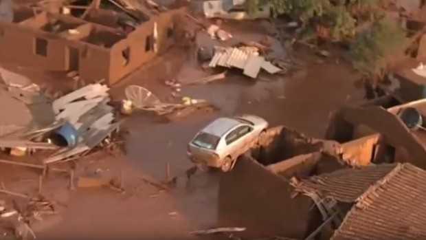 Hiện trường vụ vỡ đập chứa bùn thải ở Brazil