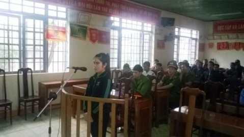 Bị cáo Nguyễn Thị Lý tại tòa xét xử lưu động