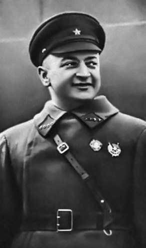hà chỉ huy và lý luận quân sự hàng đầu thế giới Mikhail Tukhachevsky