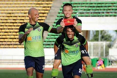 Tiền đạo trẻ của Hà Nội T&T đạt hiệu suất khi bàn vượt trội so với 2 ngoại binh cùng đội. (Ảnh: FBVN).