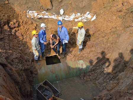 Sự cố vỡ đường ống lần thứ 10 xảy ra ở km 21+300, xã Ngọc Liệp, huyện Quốc Oai, Hà Nội (ảnh minh họa). Ảnh: Nguyễn Đức