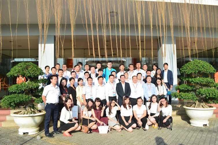 Đoàn đại biểu thanh niên Trung Quốc giao lưu với Đại học FPT.