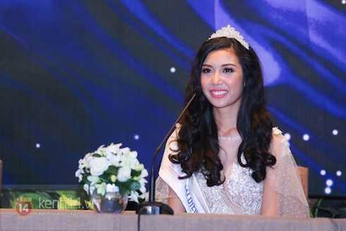 Thuý Vân giành ngôi Á khôi 1 Hoa khôi Áo dài 2014.