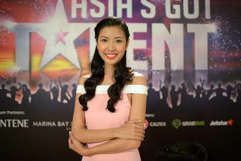Thuý Vân làm MC tại Asia's Got Talent.