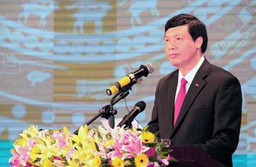 Ông Nguyễn Đức Long, Phó Bí thư Tỉnh ủy, Chủ tịch UBND tỉnh phát biểu tại Hội nghị