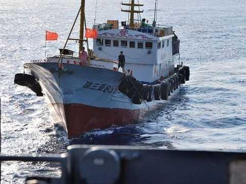 Một trong những chiếc tàu cá Trung Quốc cản đường hoạt động của tàu thăm dò đại dương Impeccable của Mỹ hoạt động trên Biển Đông hồi tháng 3/2009