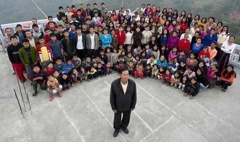 Đại gia đình 167 người của ông Chana