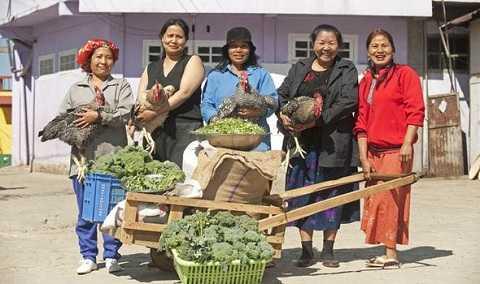 Mỗi ngày gia đình ông tiêu thụ hơn 90kg gạo và gần 60kg khoai tây cho các bữa ăn