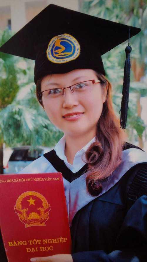 Dương Thị Nga, nữ thủ khoa xuất sắc của trường ĐH Giao thông vận tải vất vả tìm việc làm.
